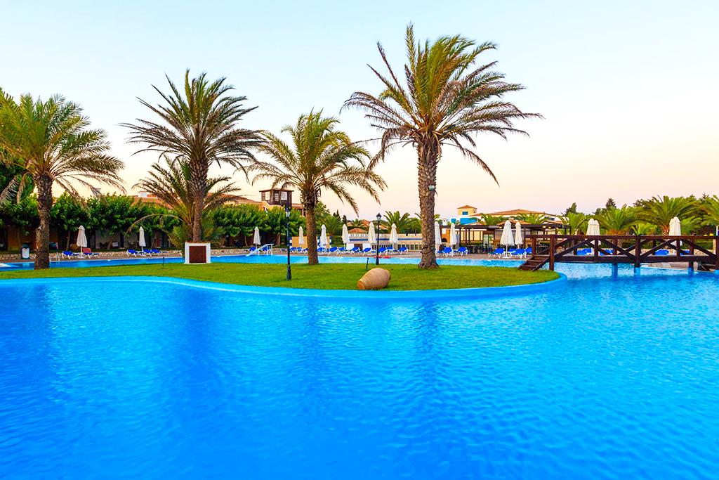 Ôclub Premium Aldemar Olympian Village & Family Resort 5*