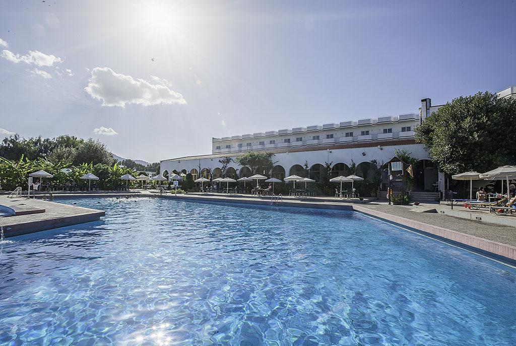 Ôclub Irène Palace Beach Resort 4*