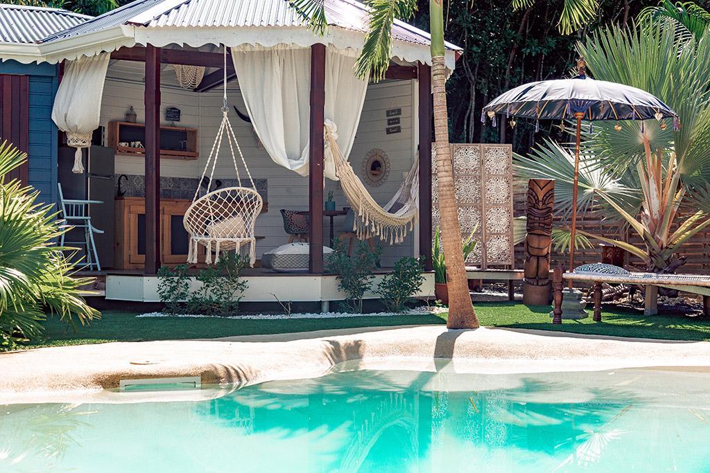 Tiki Paradise Lodge
