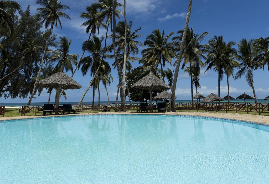 Neptune Paradise Beach Resort 4*